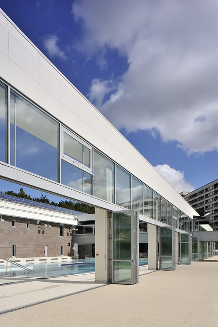 Nicolas c guillot architecte studio erick saillet for Piscine caluire